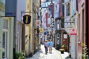 Schmale Straße im ältesten Viertel Bremens, dem Schnoor